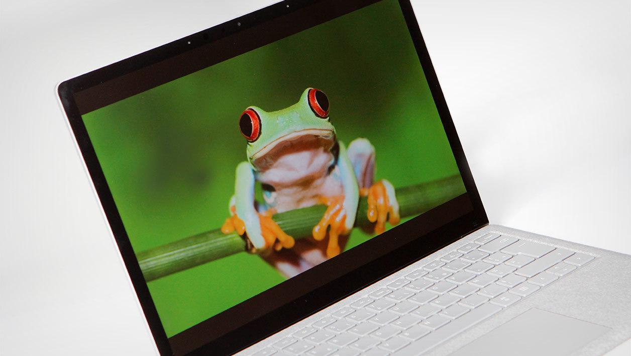 https://pc4u.org/wp-content/uploads/2017/09/Microsoft-Surface-15.jpeg